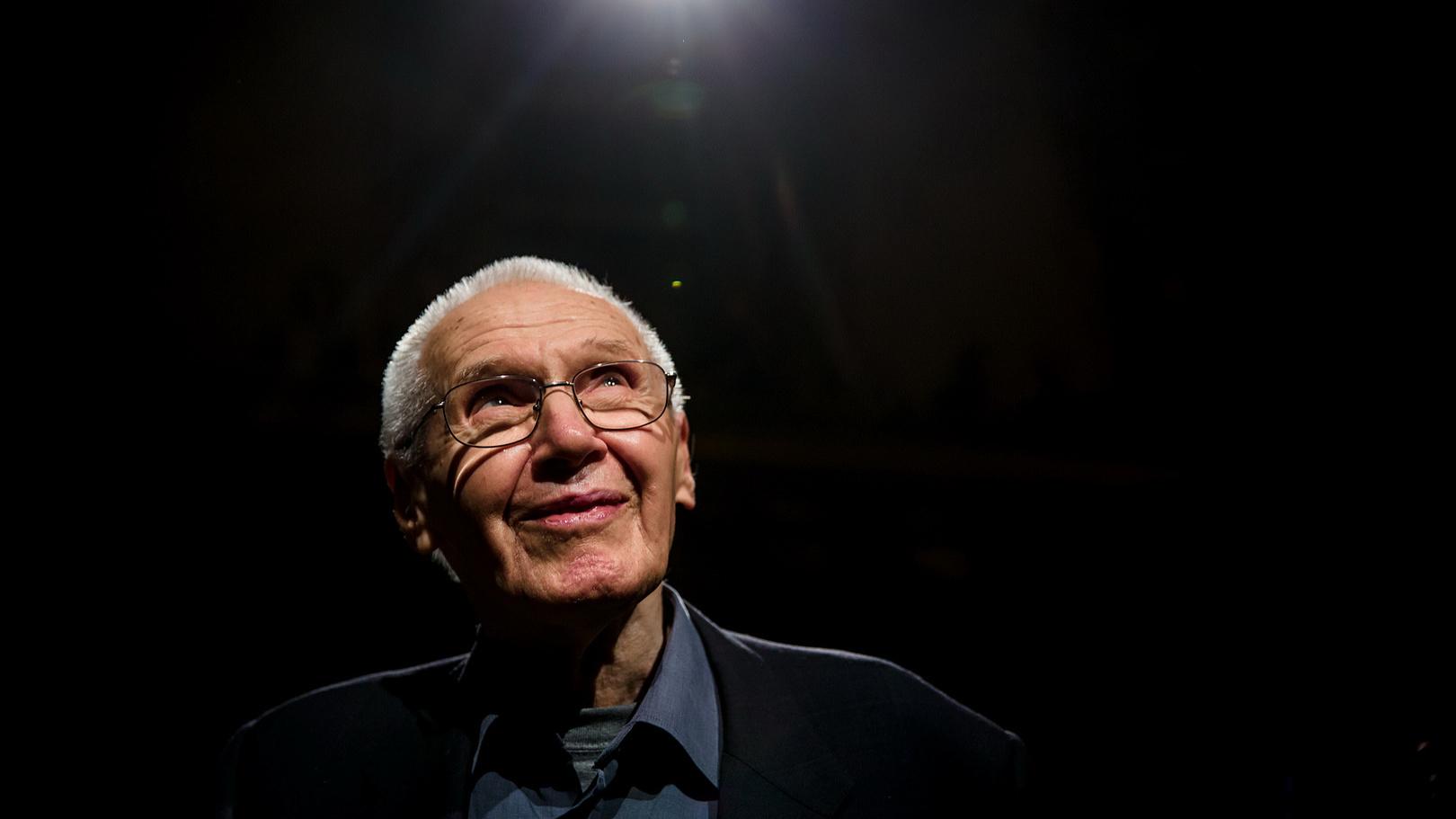95 éves Kurtág György: Hol kezdjük a zenehallgatást?